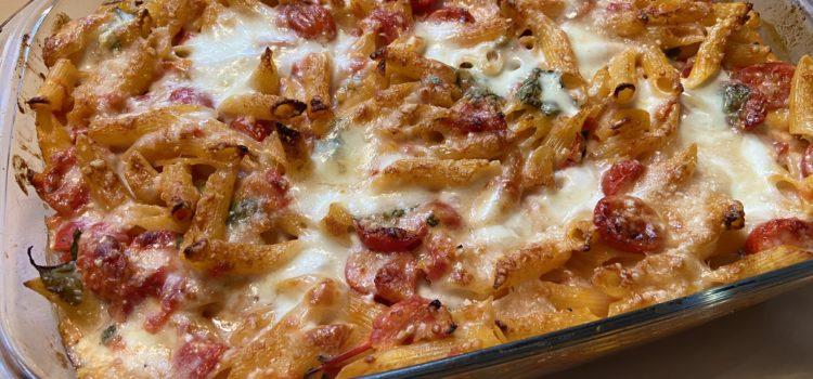 Rezept: Cremiger Nudelauflauf mit Tomaten und Mozzarella